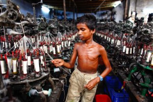 heartbreaking-photos-of-Child-labour-in-Bangladesh-3-1024x683
